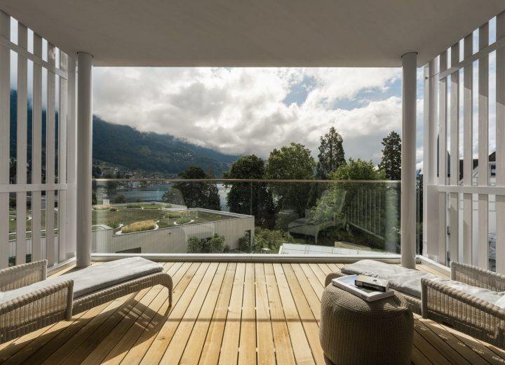 Chenot-Palace-Weggis_Suite-Balcony-min.jpg
